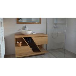 Meuble teck de salle de bain DIAGONAL de KAYUMANIS, avec deux tiroirs et une vasque bol posée. Photo client