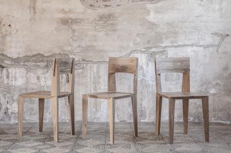 chaises en bois teck recyclé de Kayumanis vendues sur meuble-bois-design.fr